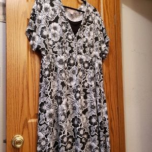 White Stag White and black large flower print dres